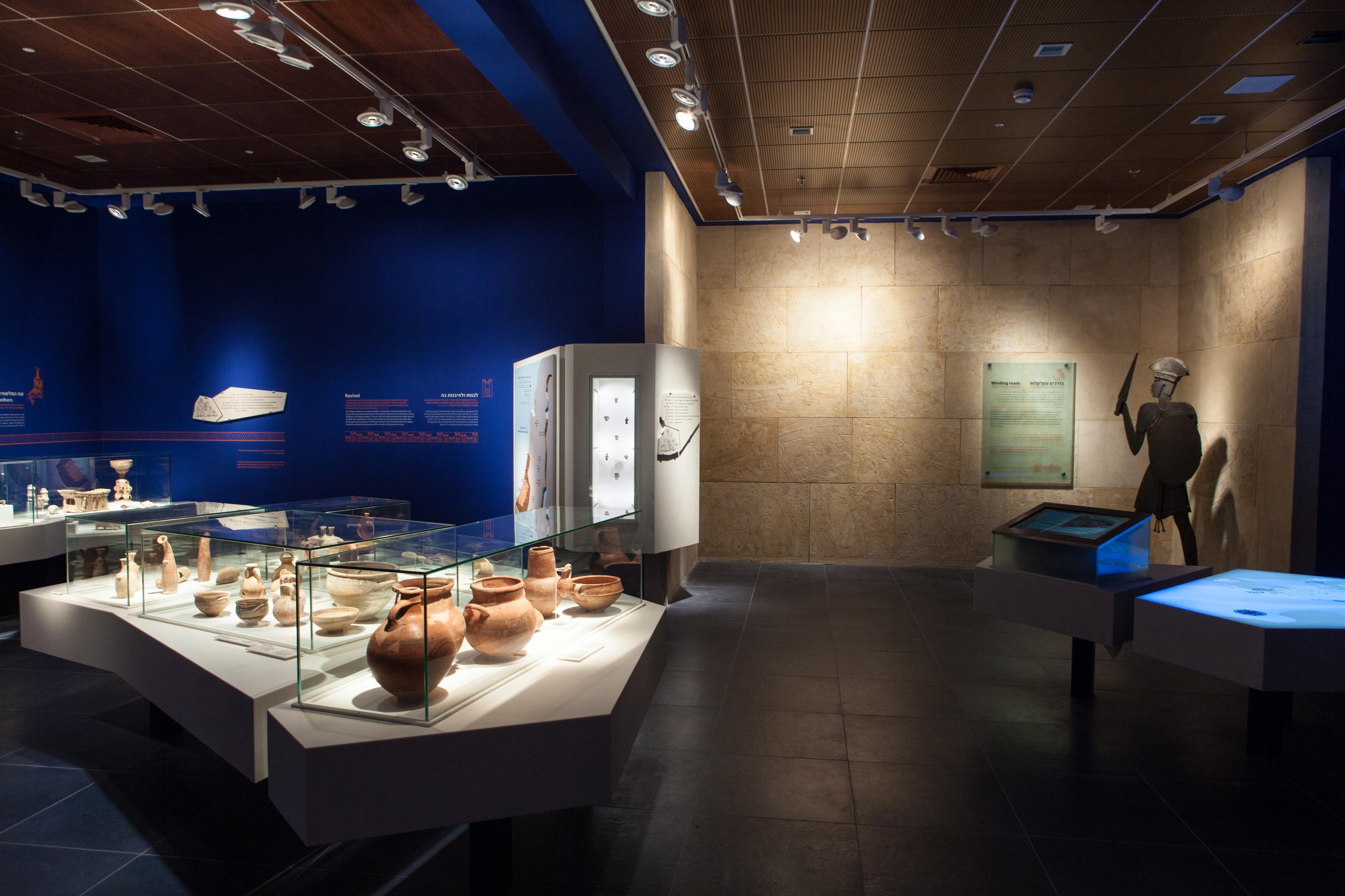 תצוגת הקבע עולמם של הפלשתים צילום אבישי פינקלשטיין